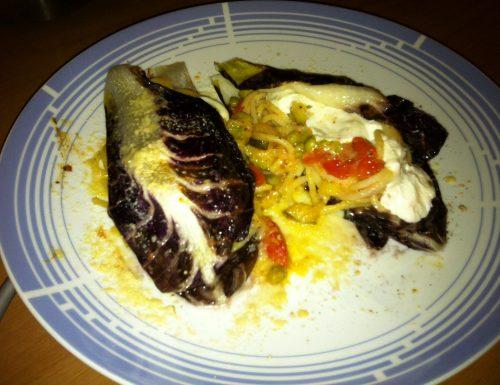 Spaghetti con verdure saltate e Burrata di Bufala su foglie di Trevigiano