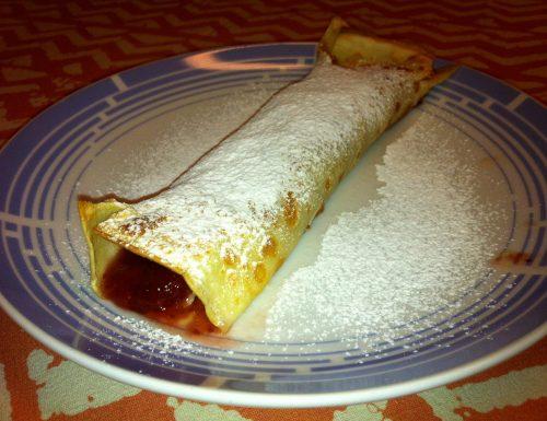 Crepes Dolci con Marmellata di Fragole e zucchero a velo