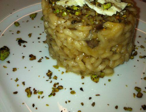 Risotto con Trevigiano, Castelmagno e Granella di Pistacchi di Bronte tostati