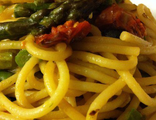 Spaghetti con Pomodorini Confit, Asparagina e Scalogno